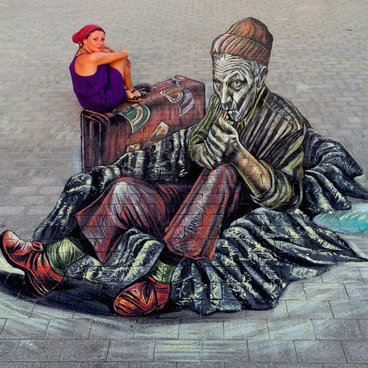 3D old migrant on Lanzarote's pavement