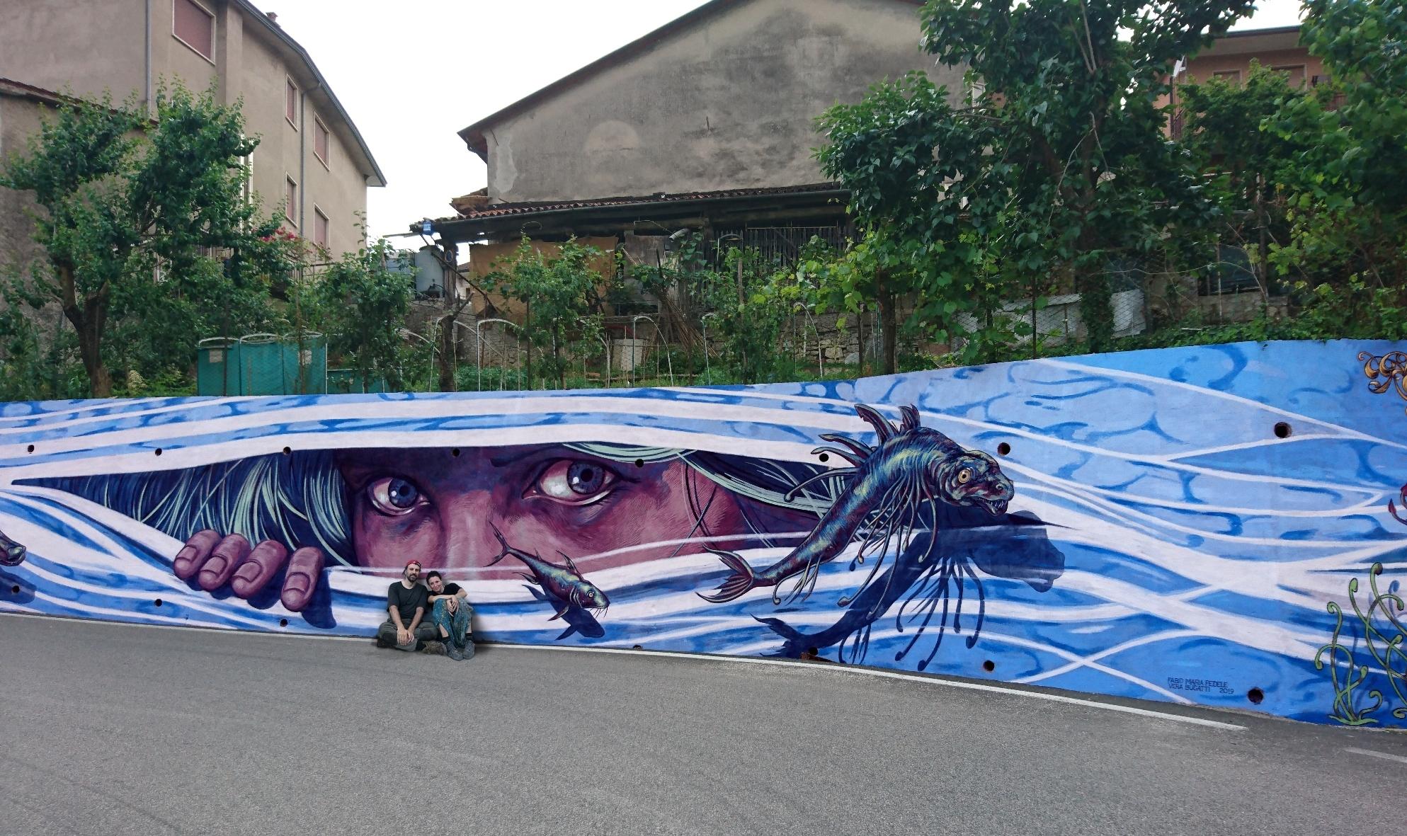 verabugatti streetart murals walls arteurbana illusioniottiche 3Dstreetart anamorfosi arte3D fabiofedele crespadoro anguane fishes