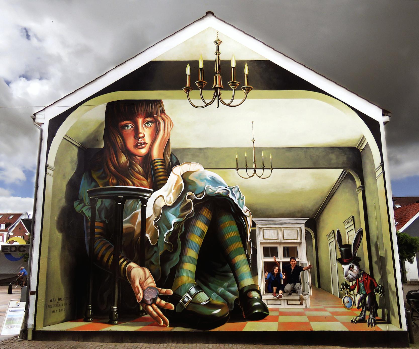 verabugatti streetart murals walls arteurbana illusioniottiche 3Dstreetart aliceinwonderland alice carroll illusioniottiche brandestreetart spismig mangiami narrow floatingdoors